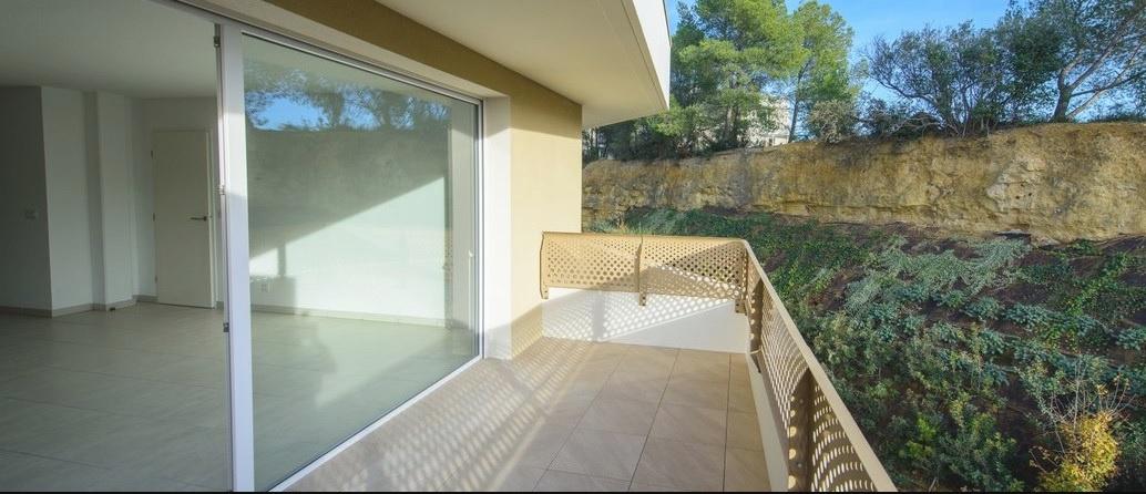 vente castelnau le lez appartementt4 de 84m terrasse 35m garage. Black Bedroom Furniture Sets. Home Design Ideas